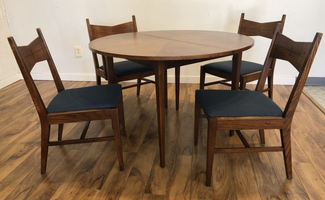 Awesome Sold Lane Tuxedo Mid Century Dining Set Modern To Vintage Bralicious Painted Fabric Chair Ideas Braliciousco