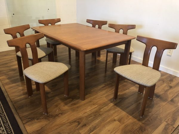 SOLD – Teak Dining Table & 6 Chairs