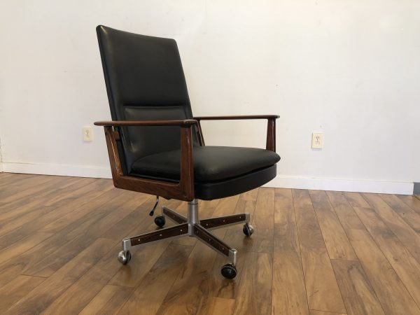 Vintage Arne Vodder Sibast Executive Chair – $2250