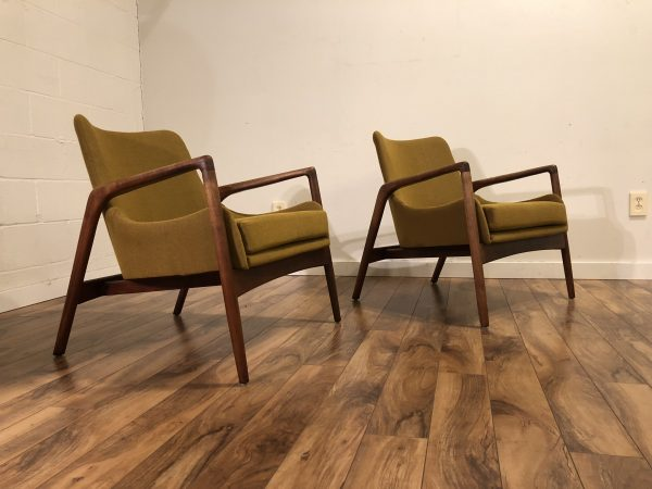 Gorgeous Pair Mid Century Lounge Chairs – $2395
