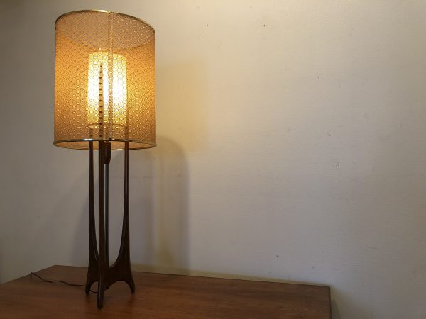 SOLD – Modeline Vintage Double Shade Table Lamp