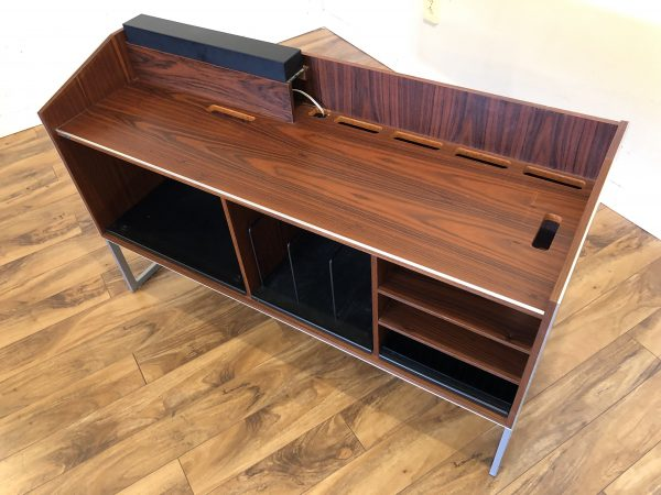 Bang & Olufsen SC80 Rosewood Stereo Console – $995