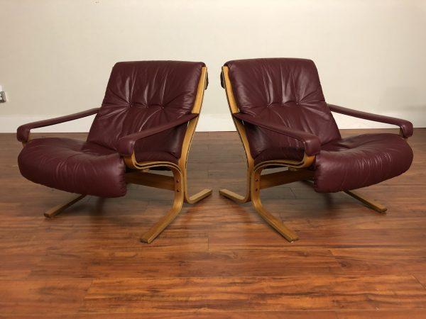 SOLD – Pair of Westnofa Siesta Leather Lounge Chairs